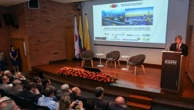 Japan's Ambassador to Colombia Keiichiro Morishita (right) Speaking at CCI Inauguration in Medellin