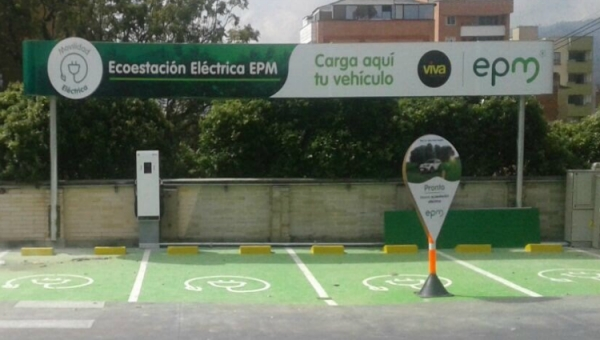 Electric Vehicle Recharge Station in Medellin