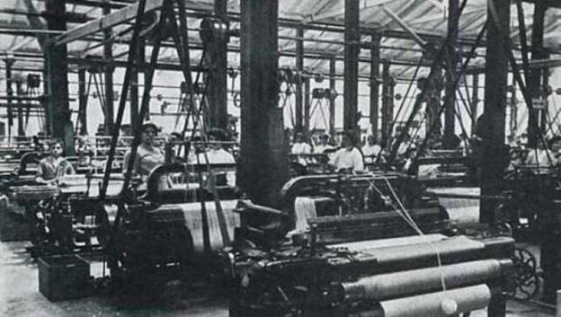 Fabrica de Tejidos de Bello (Clothing Manufacturer) in early 20th Century/ Source: Señal Memoria