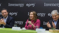 Left to right: EPM general manager Jorge Londoño de la Cuesta; Colombia Energy Minister María Fernanda Suárez; Invenergy general manager Michael Polsky
