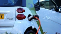 Electric Vehicle Expansion Seen Urgent to Cut Pollution