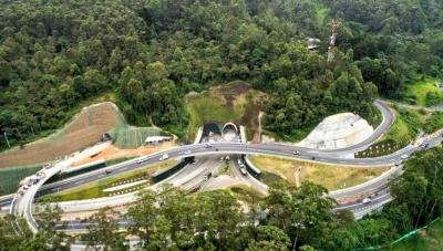 Tunel del Oriente Entrance from Las Palmas Highway in Baltimore District of Medellin