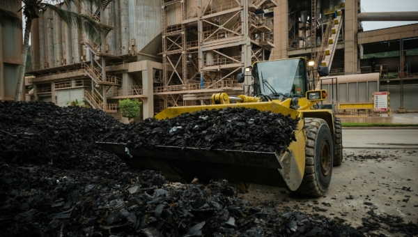 Argos to Get Bogota's Used Tires for Antioquia Cement-Plant Combustion Fuel